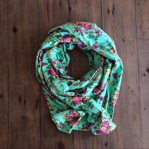NWOT Boutique Infinity Scarf Mint & Pink Floral